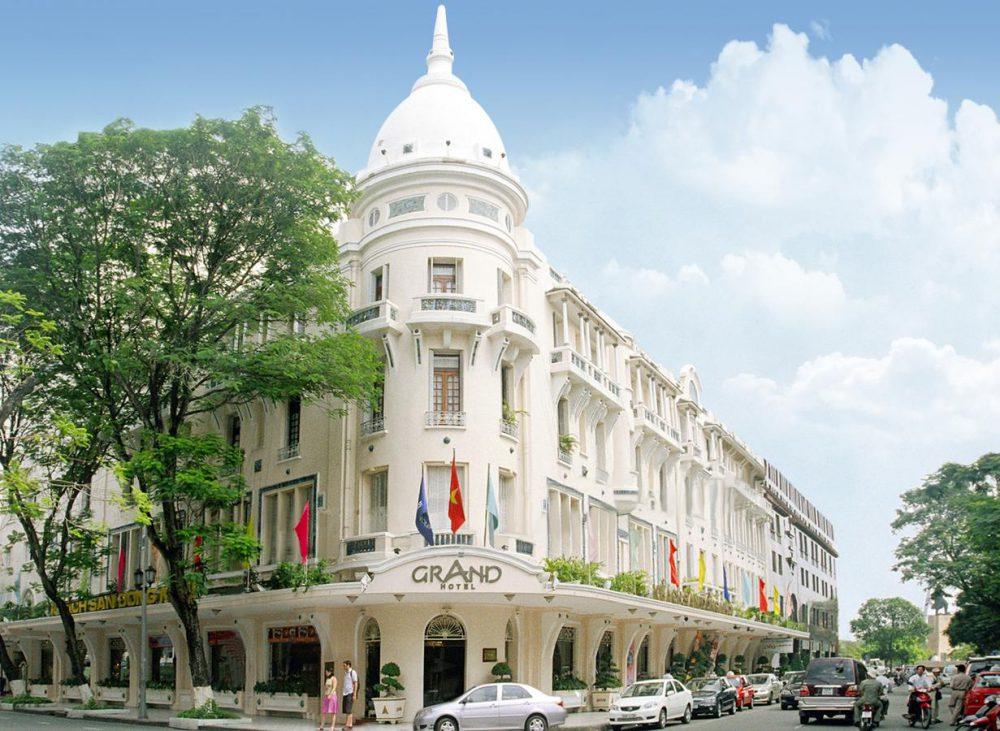 Grand-Hotel-Sai-Gon-am-cung