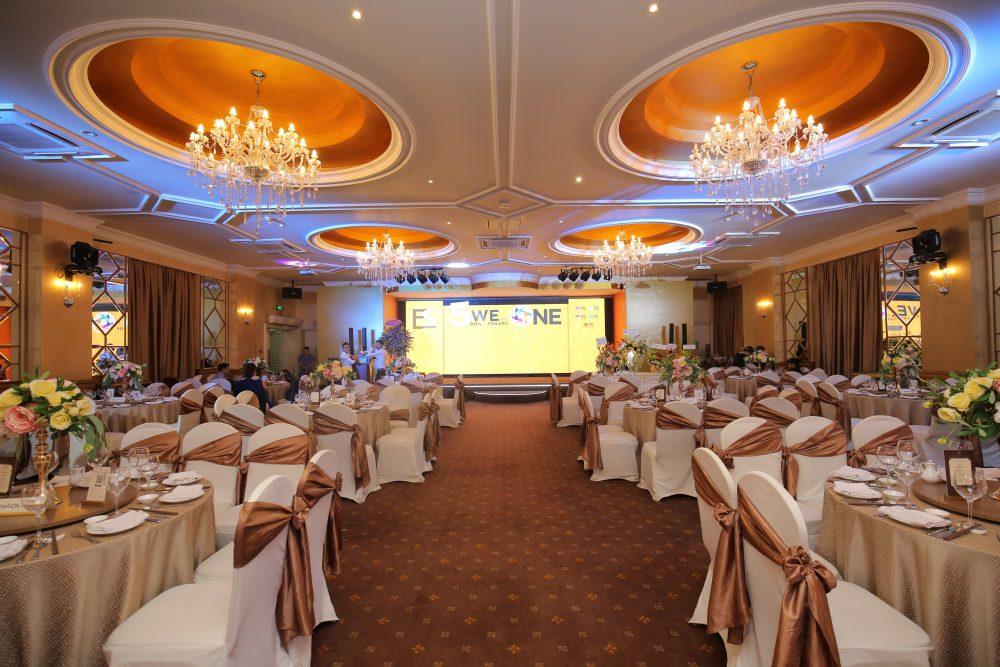 Địa điểm tổ chức sự kiện lễ kỷ niệm cũng là một yếu tố cần được lưu ý khi tổ chức sự kiện lễ kỷ niệm