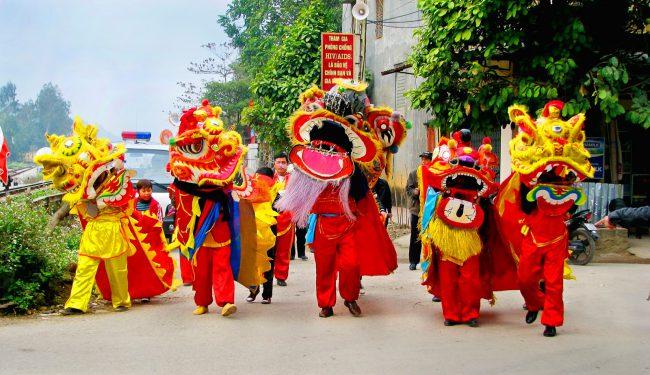 Sự kiện lễ khai trương thường có các hoạt động múa lân sư rồng