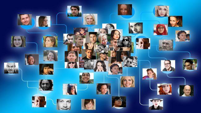 Tổ chức sự kiện trực tuyến là cách để doanh nghiệp kết nối và tương tác hiệu quả với khách hàng trong mùa dịch. Ảnh: Pixabay