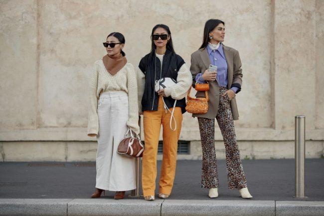 Việc thu hút nhiều người trên khắp thế giới quy tụ tại các tuần lễ thời trang là một trong những nguyên nhân khiến thời trang trở thành ngành công nghiệp tạo ra nhiều khí thải carbon. Ảnh: Imaxtree