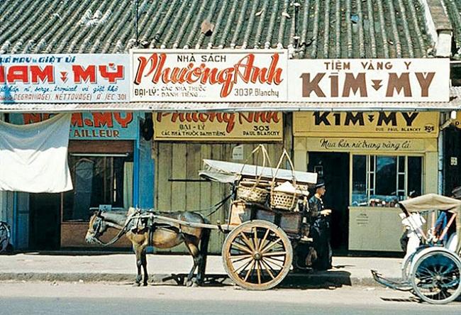 Phong cách retro từ những thập niên trước cũng là một ý tưởng thú vị để tổ chức sự kiện. Ảnh: Sài Gòn vivu.