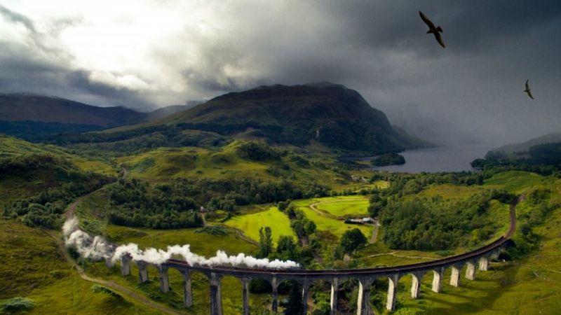'Trở lại trường Hogwarts' trong sự kiện trực tuyến dành cho cộng đồng người hâm mộ Harry Potter - ảnh 3.