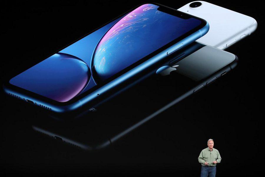 Apple lộ ngày tổ chức sự kiện ra mắt iPhone 12 khi vô tình đăng video thử nghiệm. Ảnh: Getty.