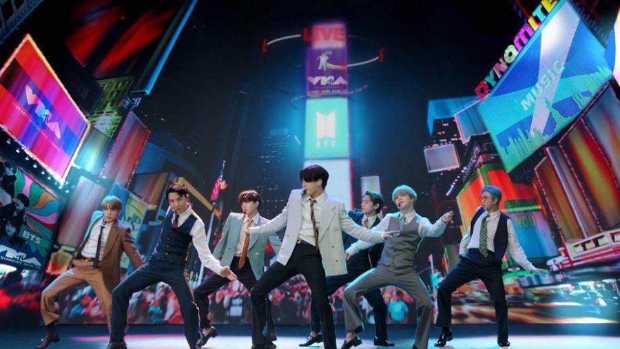 Concert trực tiếp Map of The Soul ON:E của BTS có khả năng bị hủy vì tái bùng phát dịch