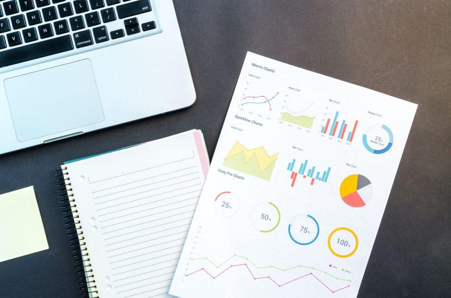 Các khảo sát cho thấy hiện tại sự kiện trực tuyến không phải là giải pháp hiệu quả để tìm kiếm lợi nhuận. Ảnh: Lukas/ Pexels.