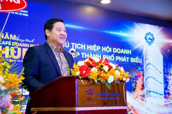 Ông Chu Tiến Dũng, Chủ tịch Hiệp hội Doanh nghiệp TP.HCM phát biểu khai mạc chương trình.
