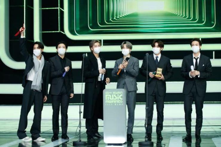 Nhóm nhạc BTS đã đại thắng chiến thắng ở nhiều hạng mục quan trọng trong sự kiện Lễ trao giải MAMA năm nay. Ảnh: Courtesy of Mnet Asian Music Awards