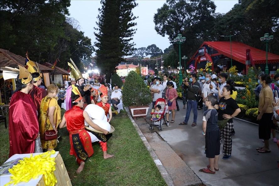 TPHCM: Hạn chế tổ chức các sự kiện đông người, các lễ hội để phòng dịch. Ảnh 1.